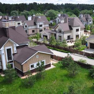 Количество новых поселков в Подмосковье сократилось за пять лет на треть, а их средний размер – более чем на 40%