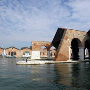 В рамках культурной программы открытия русского павильона на Венецианской биеннале архитектуры прошло 32 экскурсионных тура