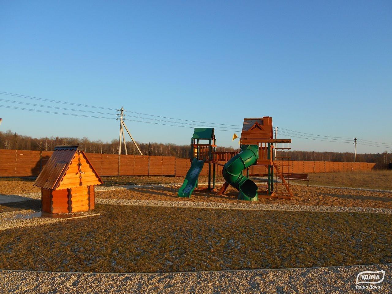 Коттеджный посёлок  «Боровки» по адресу Московская обл, Наро-Фоминский р-н, Комлево д в 77.7км от МКАД предложения по цене от 500 000 руб.